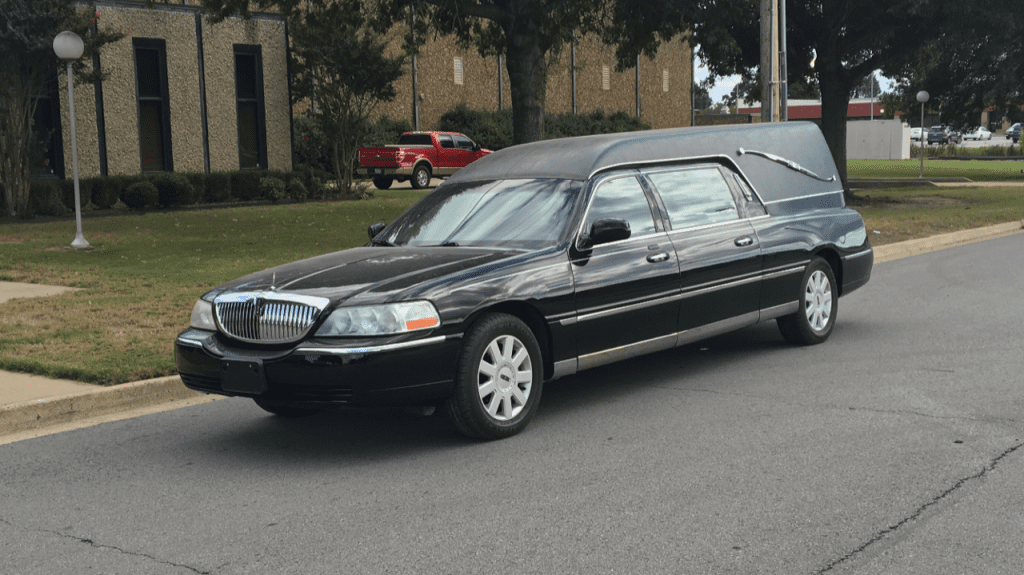 2005 Lincoln Funeral Coach - Southwest Professional Vehicles