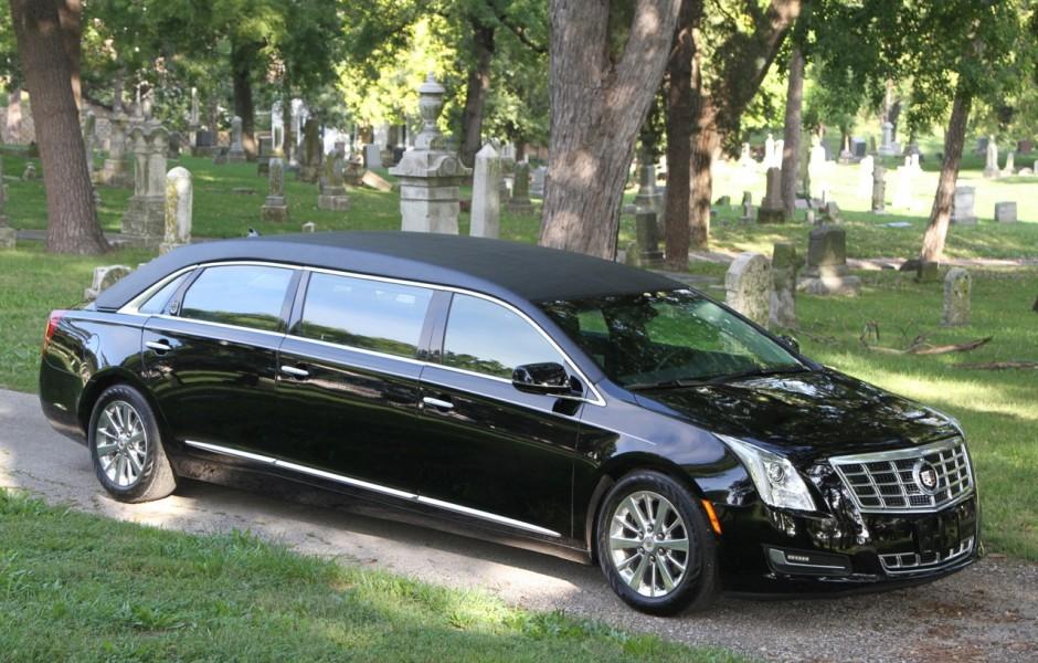 2016 Cadillac 6 Door Limousine