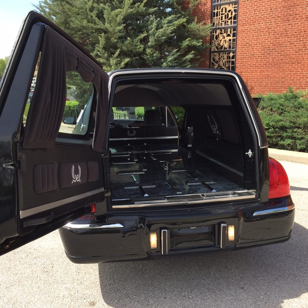 Lincoln Limo For Sale: 2011 Used Lincoln Hearse For Sale 3