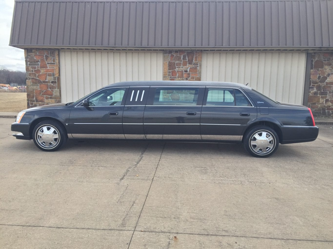 Used Six Door Limo for Sale