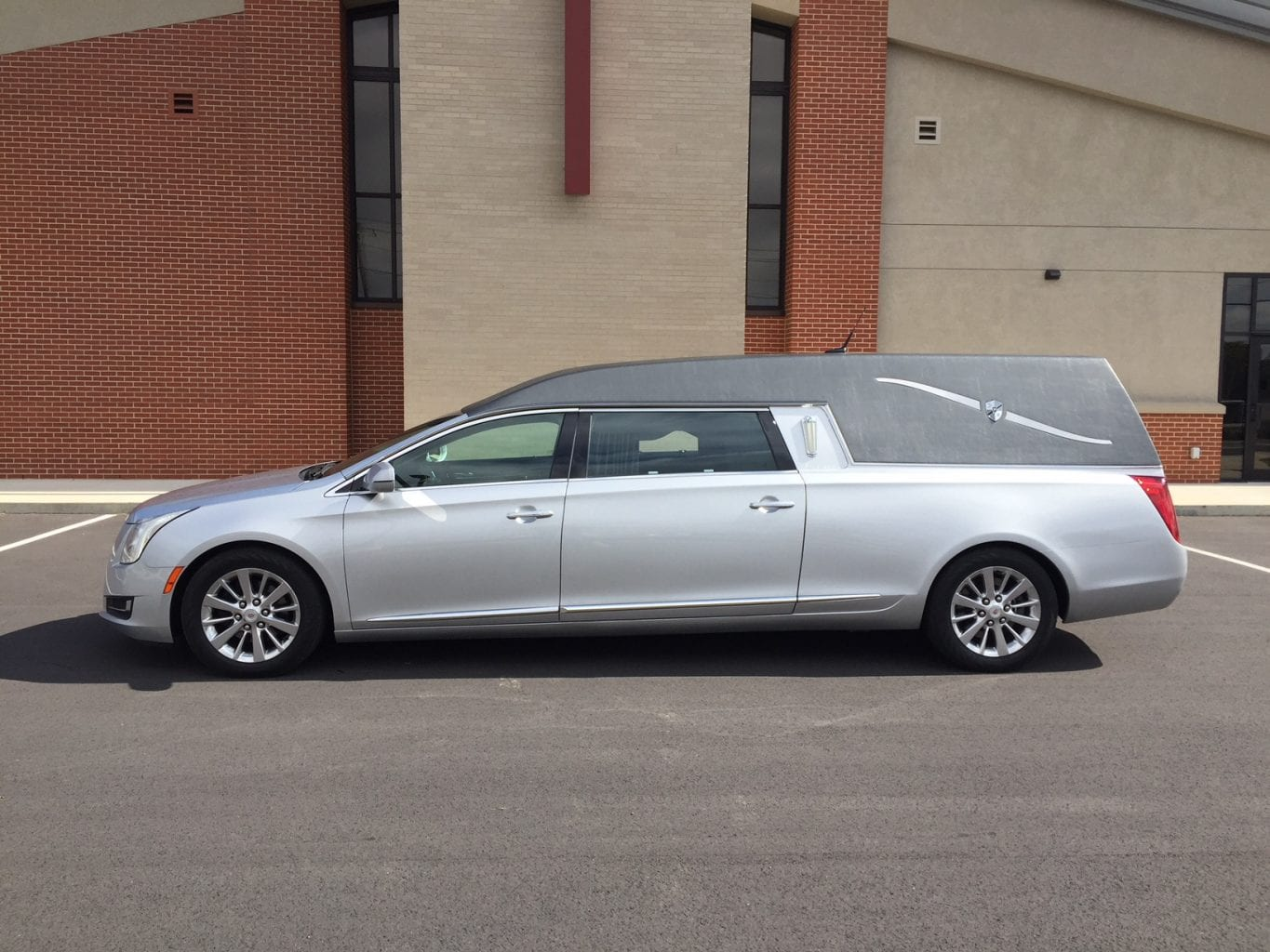 2014 Cadillac Used Hearse for Sale 1