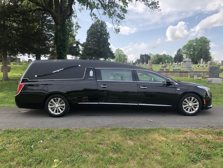 2019 Black S&S Medalist Funeral Coach 2