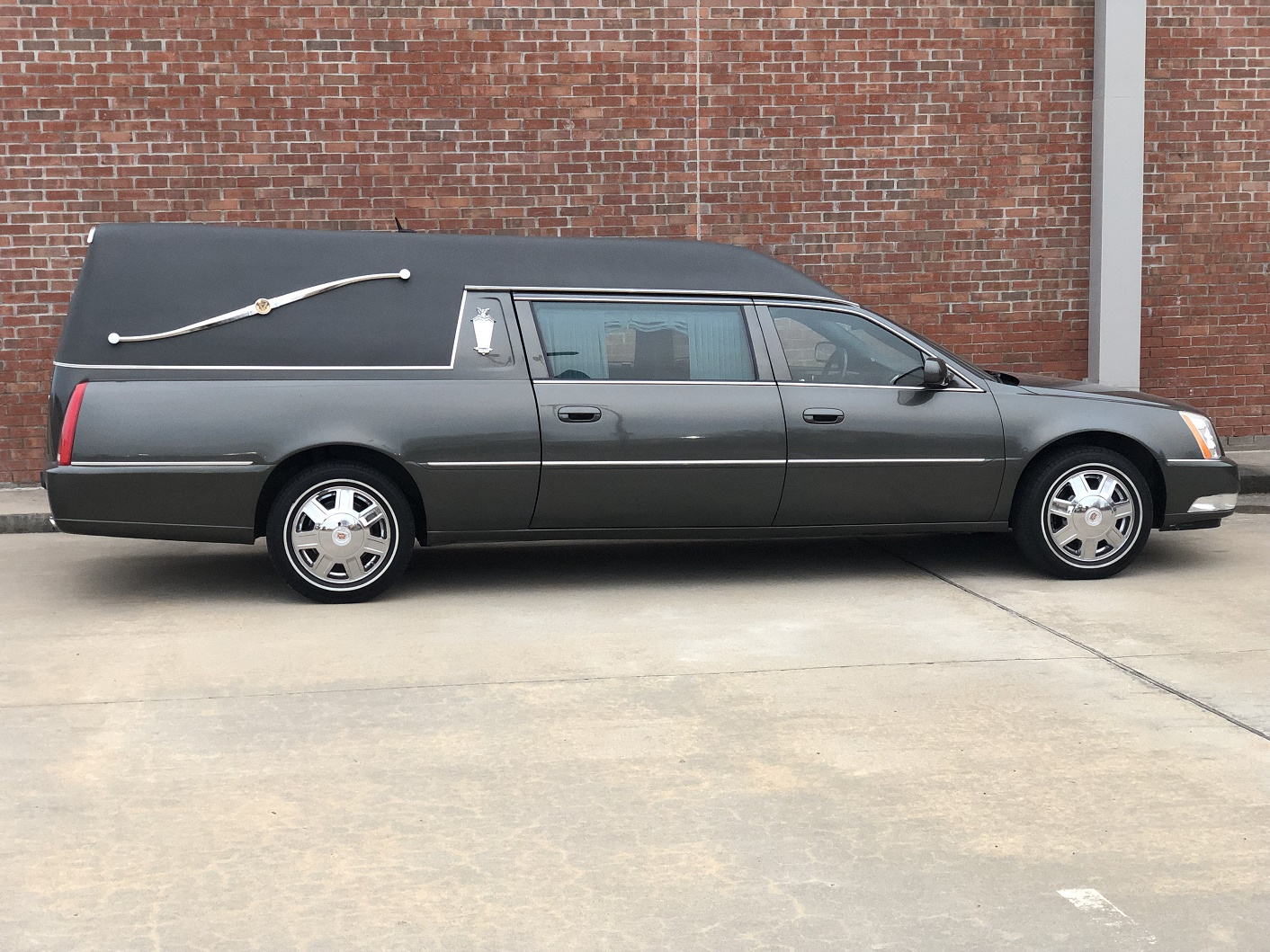 2008 Cadillac Federal Hearse - Southwest Professional Vehicles