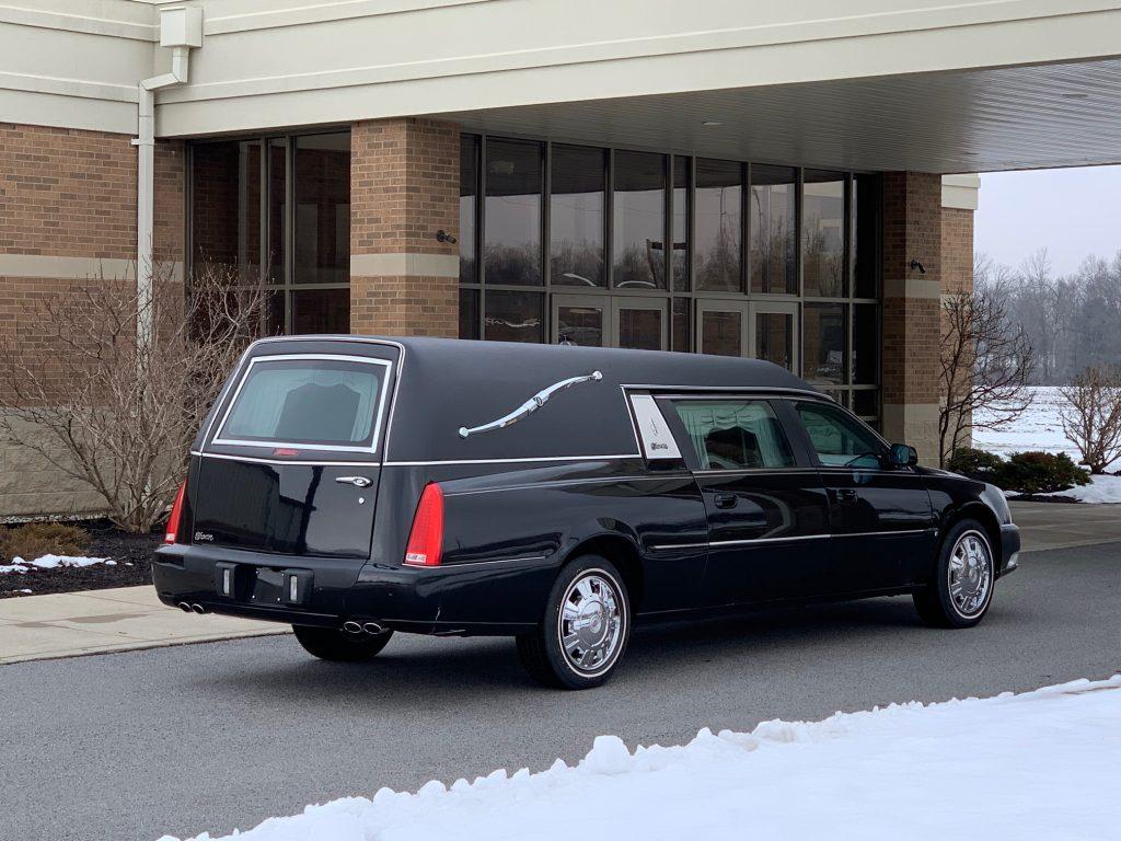 2010 Cadillac Superior Statesman Funeral Coach - Southwest
