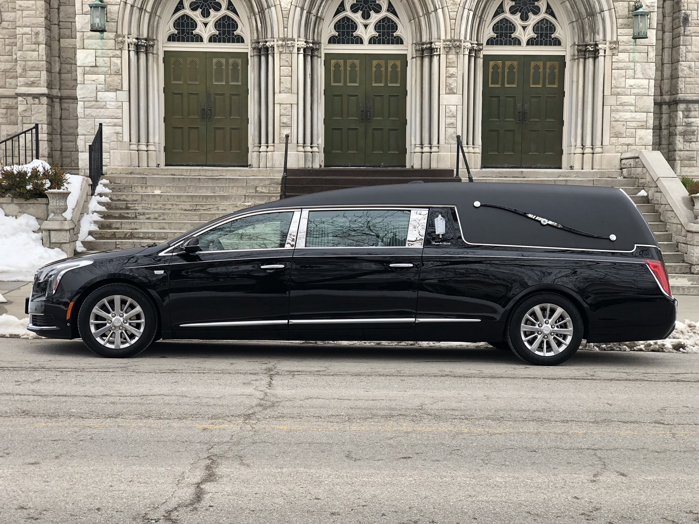 2019 S&S Medalist funeral coach 1