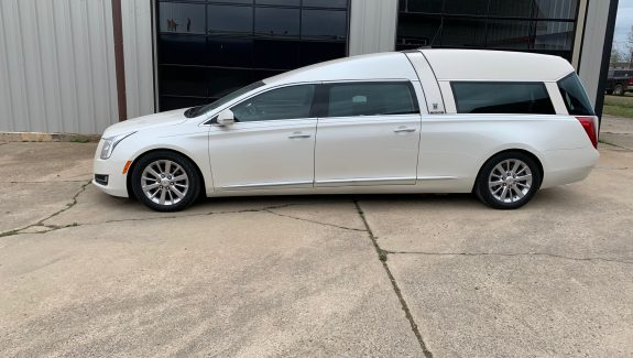 2015 Cadillac Armbruster Stageway - Crown Regal Used Hearse For Sale