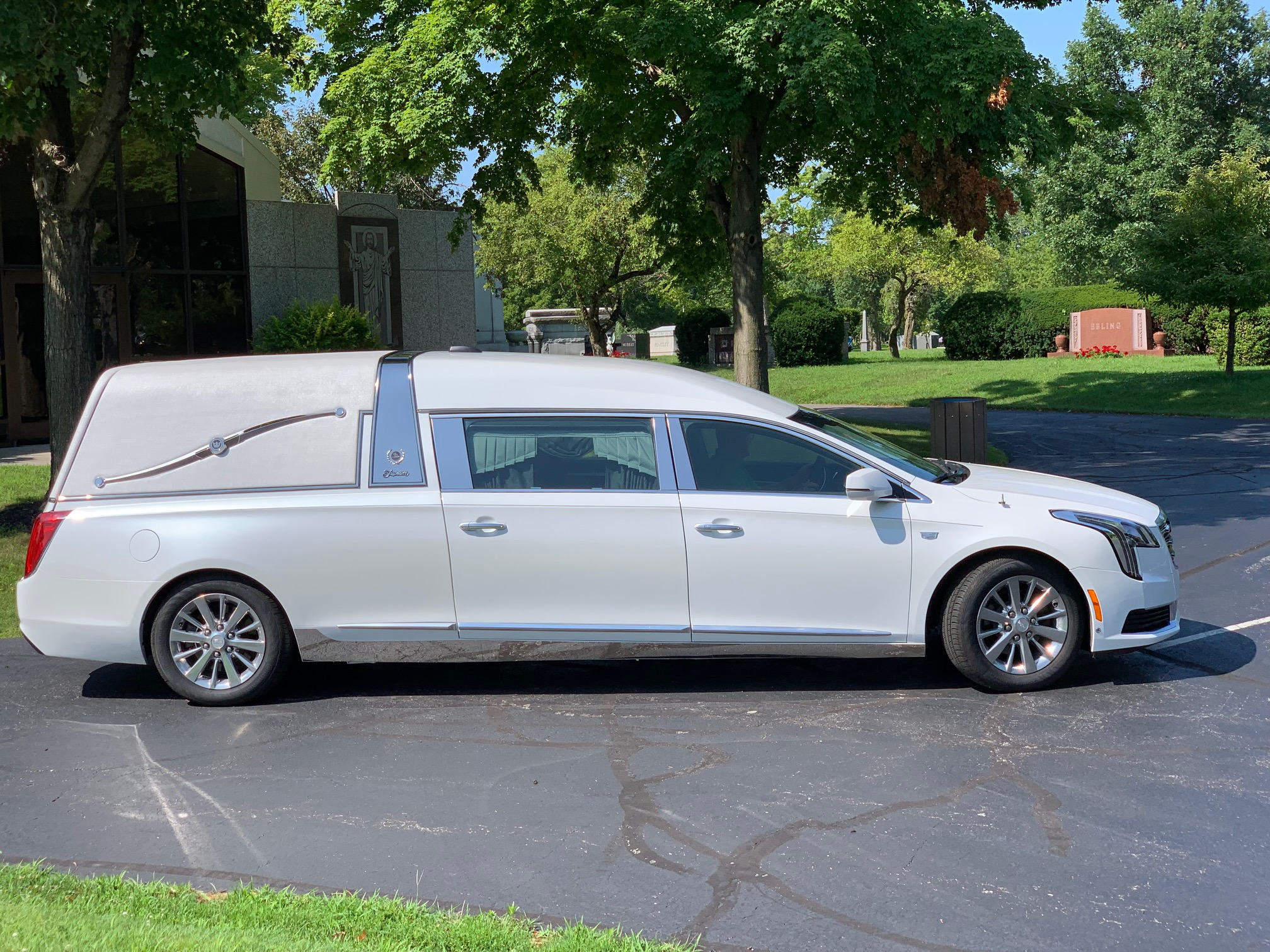 2019 Cadillac Superior Crown Sovereign Coach