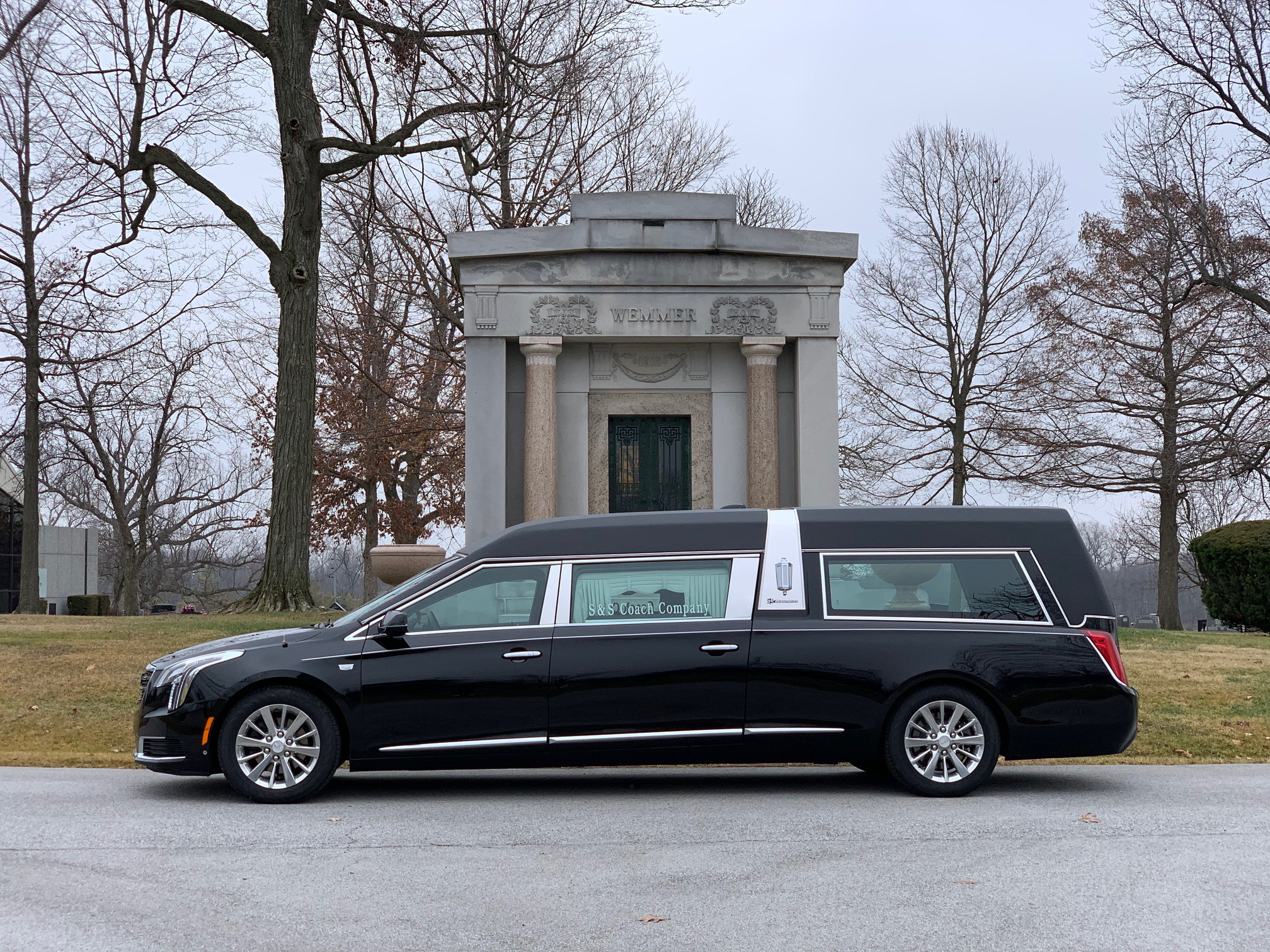 2019 Cadillac S&S Masterpiece Coach - Limo Style Glass