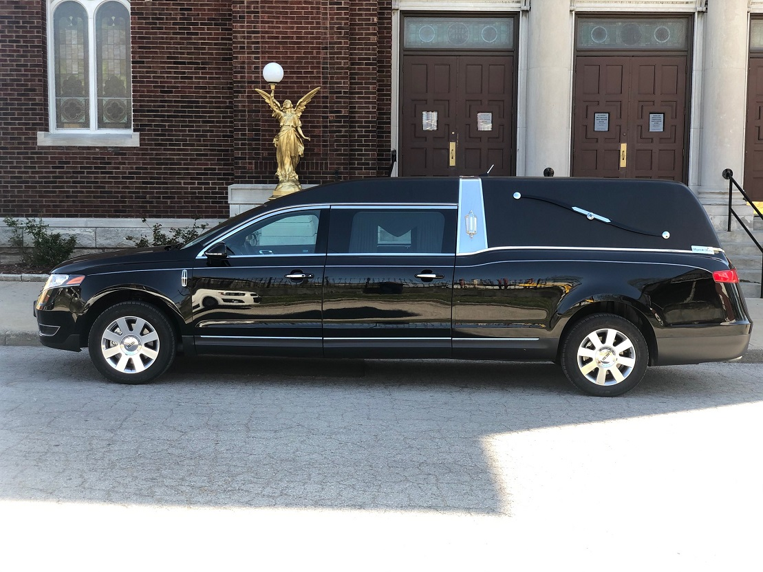 2018 S&S Black Lincoln Funeral Hearse Coach For Sale