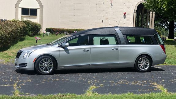 2016 Silver Black Cadillac Armbruster Stageway Crown Regal Funeral Coach Hearse For Sale