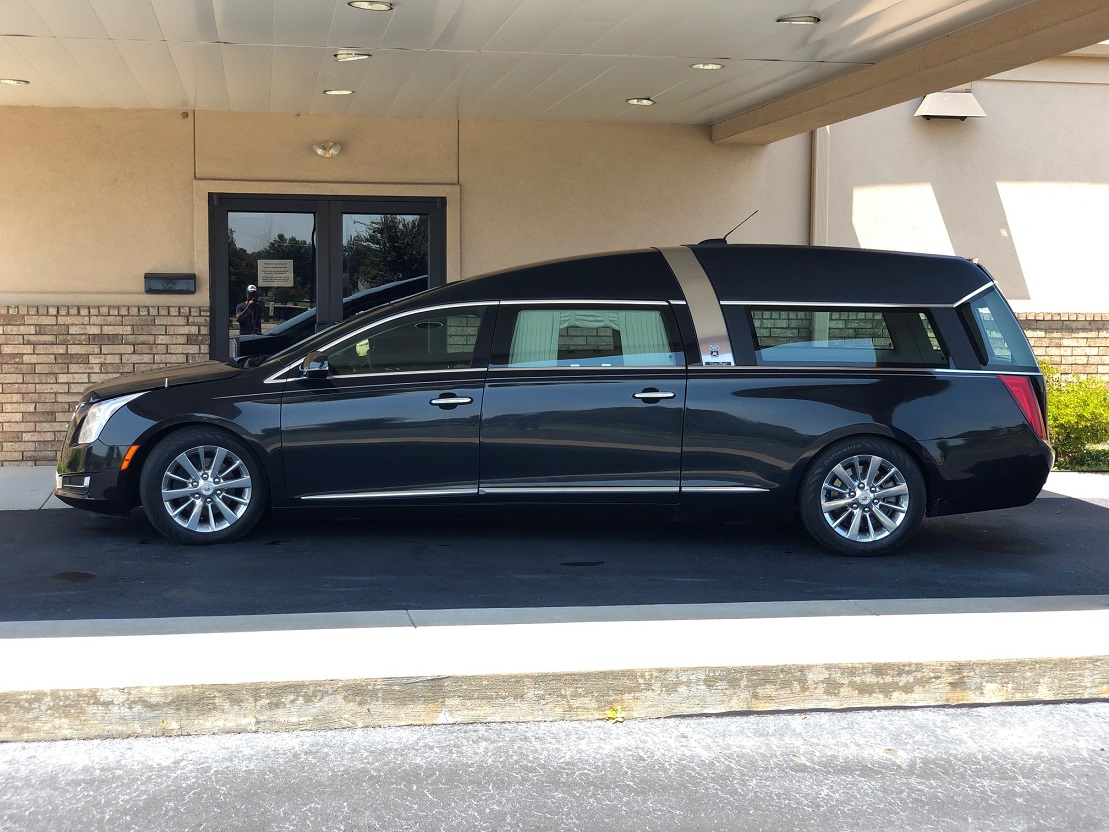 2015 Black Diamond Crown Regal Armbruster Stageway Funeral Coach Hearse For Sale