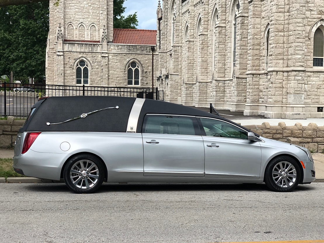 2015 Black Silver Armbruster Stageway Traditional Funeral Coach Hearse For Sale