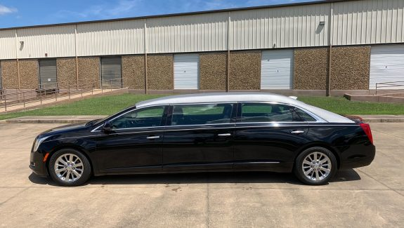 2016 Cadillac Six Door Limo - Lehmann Peterson Limo For Sale
