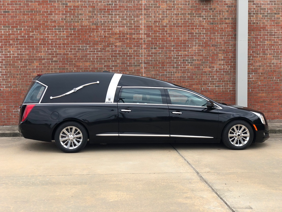 2015 Landaulet Black Armbruster Stageway Crown Landaulet Funeral Coach Used Hearse For Sale