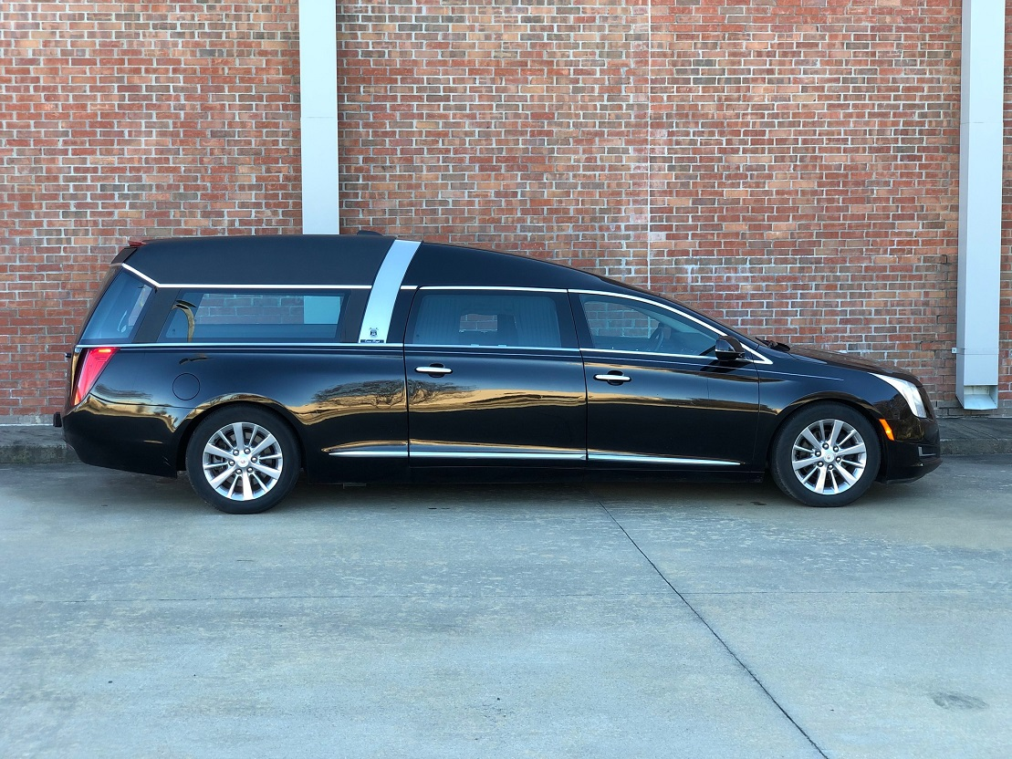 2015 Cadillac Black Armbruster Stageway Crown Regal Funeral Coach Used Hearse for Sale