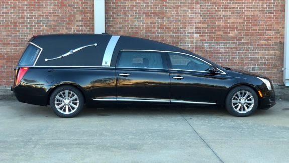 2016 Black Cadillac Armbruster Stageway Crown Landaulet Funeral Coach Used Hearse for Sale