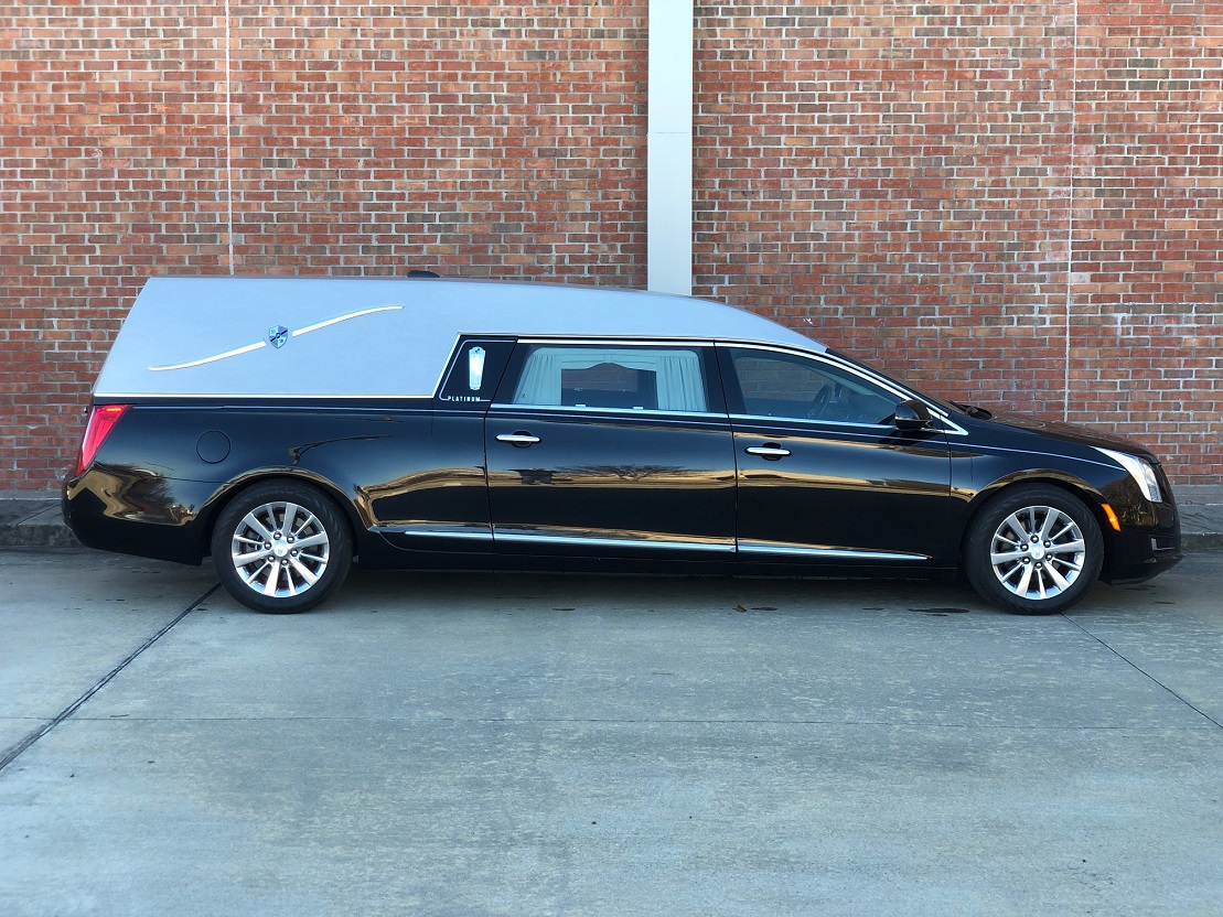 2016 Platinum Funeral Coach Black Cadillac Used Hearse For Sale