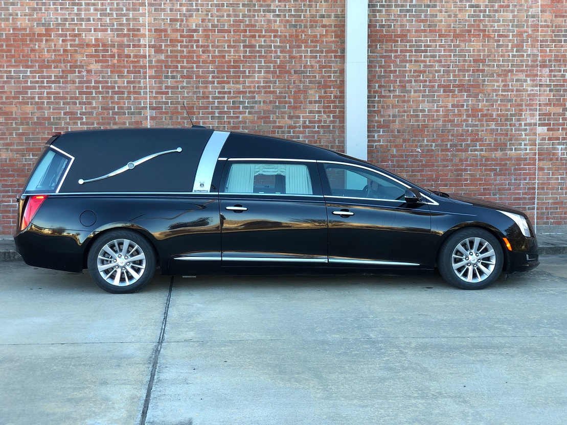 Black Cadillac 2015 Armbruster Stageway Crown Landaulet Funeral Coach Used Hearse for Sale