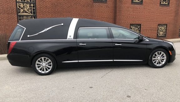 2015 Armbruster Stageway Black Crown Landaulet Funeral Coach Used Hearse For Sale