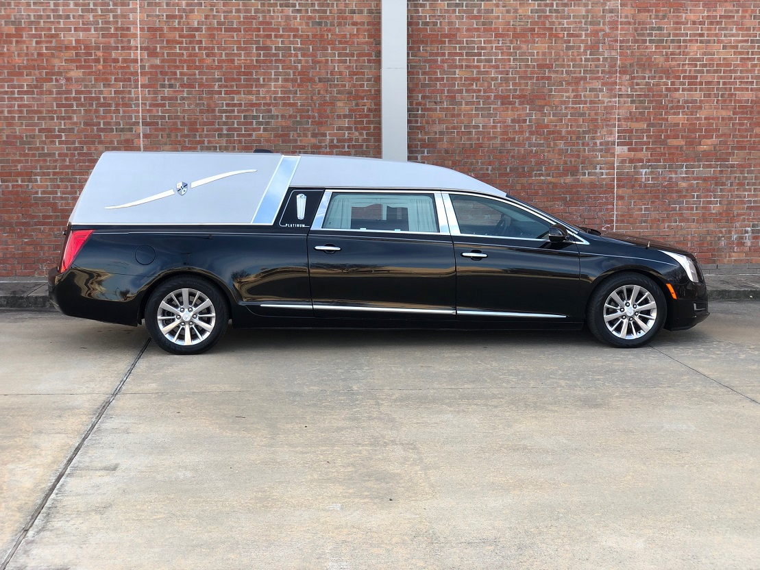 2016 Black Platinum Cadillac Funeral Coach Used Hearse For Sale