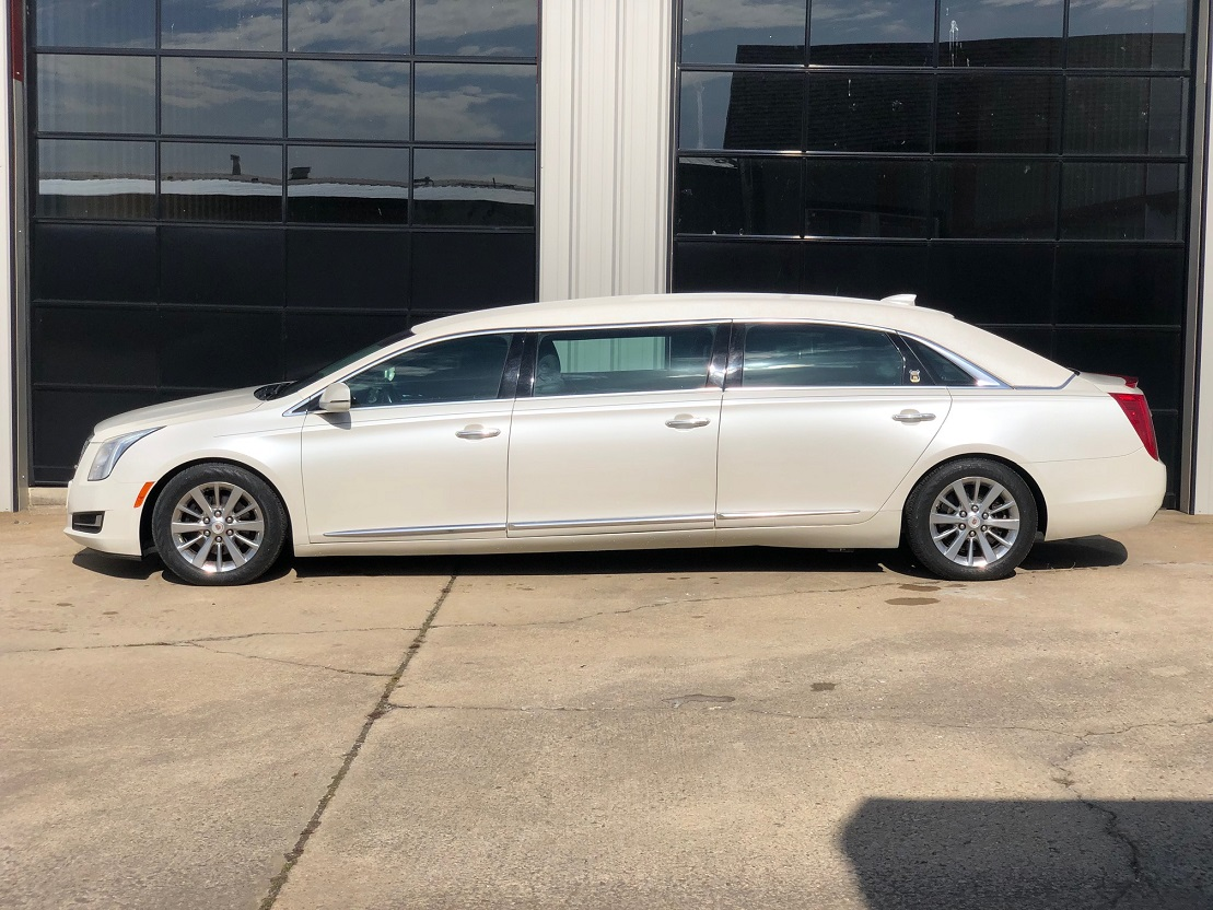 2015 White Diamond Cadillac Armbruster Stageway Six Door Limousine Used Limo For Sale