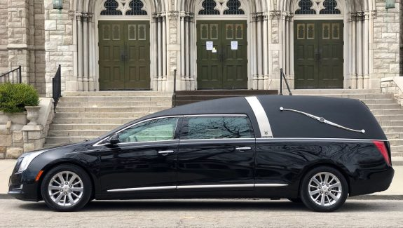 2015 Black Cadillac Armbruster Stageway Traditional Funeral Coach Hearse Car For Sale
