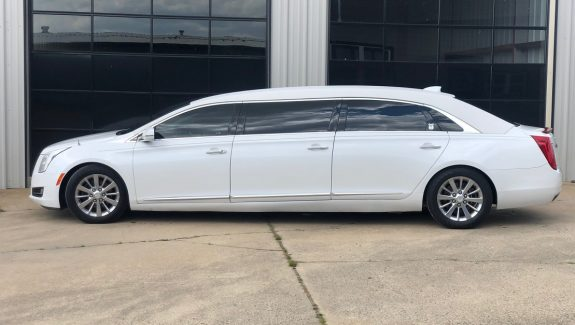 2017 Crystal White Tricoat Armbruster Stageway Cadillac Funeral Six Door Used Limousine For Sale