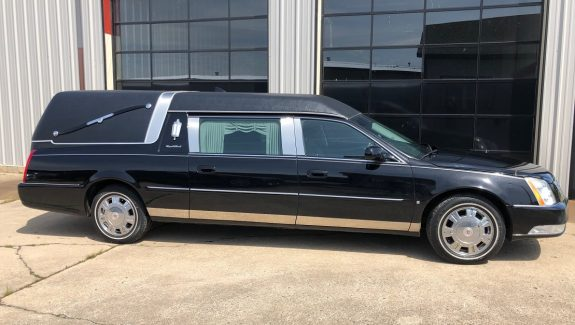 2009 S&S Black Funeral Coach Used Hearse For Sale
