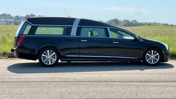 2015 Black Cadillac Armbruster Stageway Crown Regal Funeral Coach Used Hearse For Sale