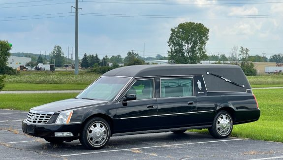 2011 Cadillac S&S Masterpiece Funeral Coach Used Hearse For Sale